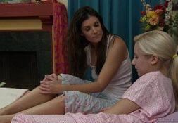 Lesbicas brasileiras em foda na cama de noite
