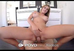 Bronhatube sexo depois do banho com loira
