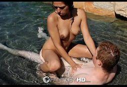 Porno filmes comendo gata na beira do rio