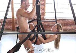 Virgem sexo esta em um sexo no aparelho de cordas