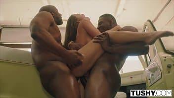 Porno extremo con sexo anal duro y folladas de boca profundas