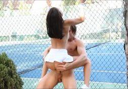 Dando para professor de tenis no vidioporno